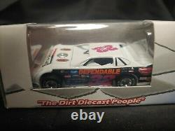 1/64 ADC Dirt Late Model #32 Bobby Pierce 2014 DW614M795