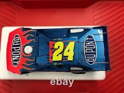 Jeff Gordon #24 DuPont 2007 Chevy Monte Carlo Late Model Dirt 124 Diecast Car